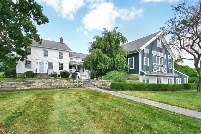独户住宅 为 销售 在 2 Apple Lane Califon, 新泽西州 07830 美国