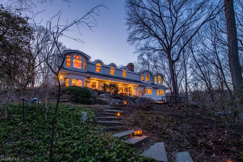 Частный односемейный дом для того Продажа на 935 Old Mill Road Franklin Lakes, Нью-Джерси 07417 Соединенные Штаты