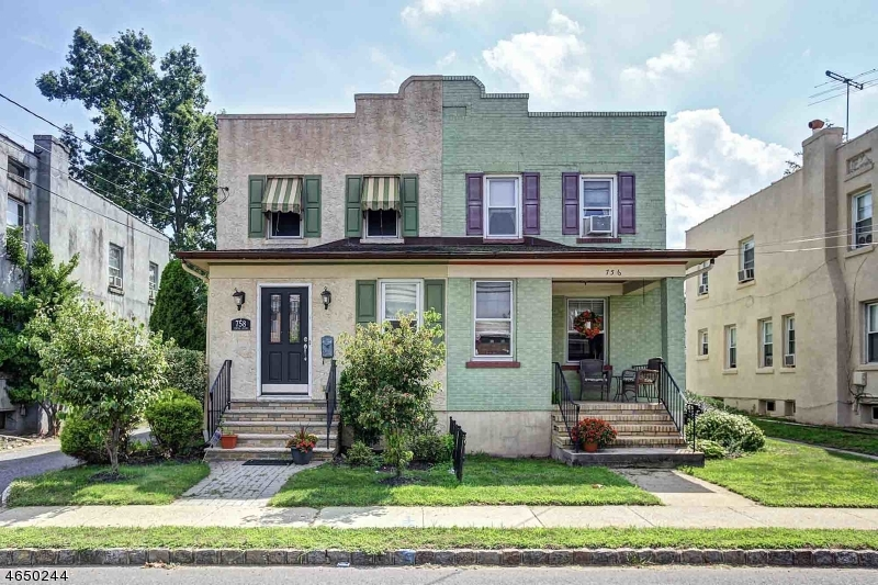 Частный односемейный дом для того Аренда на 758 Central Avenue Westfield, Нью-Джерси 07090 Соединенные Штаты