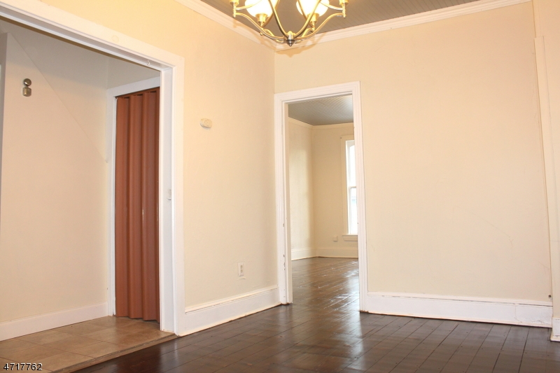Single Family Home for Rent at 464B S Main St - Upstairs Phillipsburg, New Jersey 08865 United States