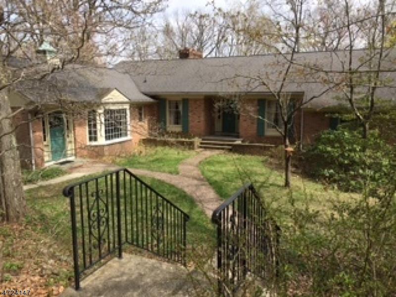 独户住宅 为 销售 在 35 Musconetcong Avenue 斯坦霍普, 新泽西州 07874 美国