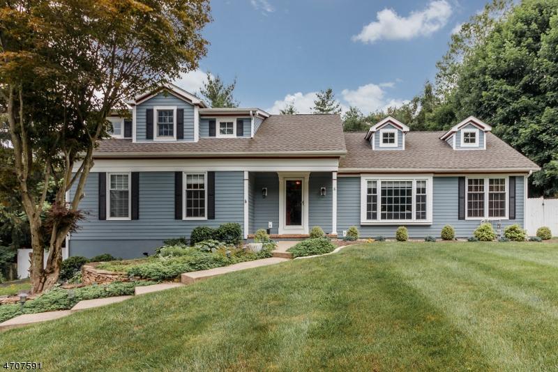 واحد منزل الأسرة للـ Sale في 6 SEWARD Place Chester, New Jersey 07930 United States