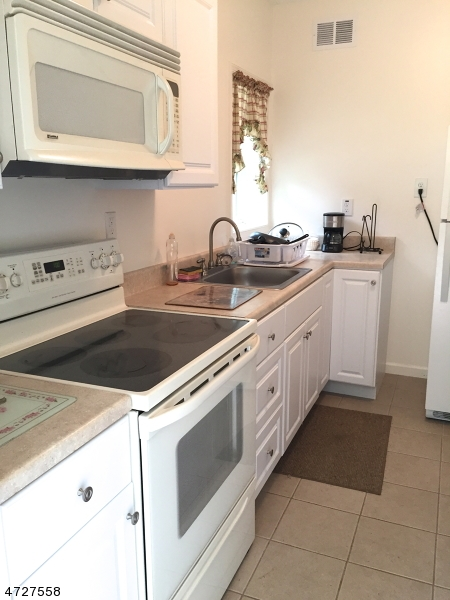 Additional photo for property listing at 1080 County Road 521  Stillwater, Nueva Jersey 07860 Estados Unidos