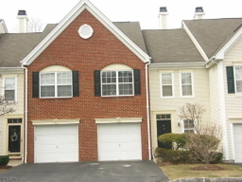Maison unifamiliale pour l à louer à 48 Heritage Court Montville, New Jersey 07082 États-Unis