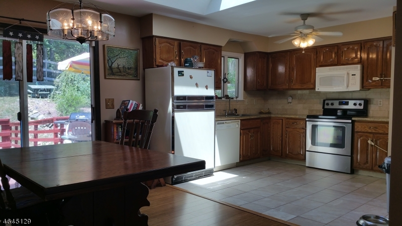 Additional photo for property listing at 64 Pond School Road  Wantage, New Jersey 07461 États-Unis