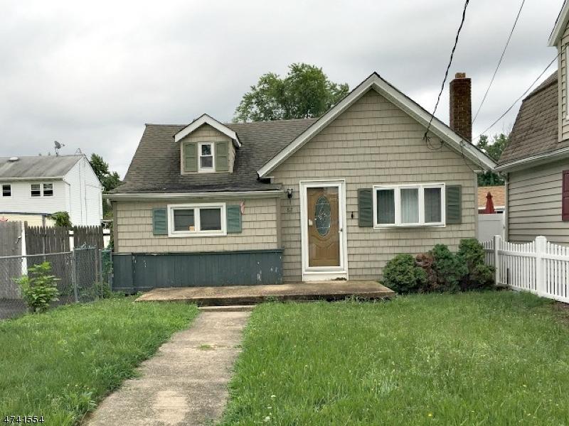 Частный односемейный дом для того Продажа на 82 Port Monmouth Road Keansburg, Нью-Джерси 07734 Соединенные Штаты