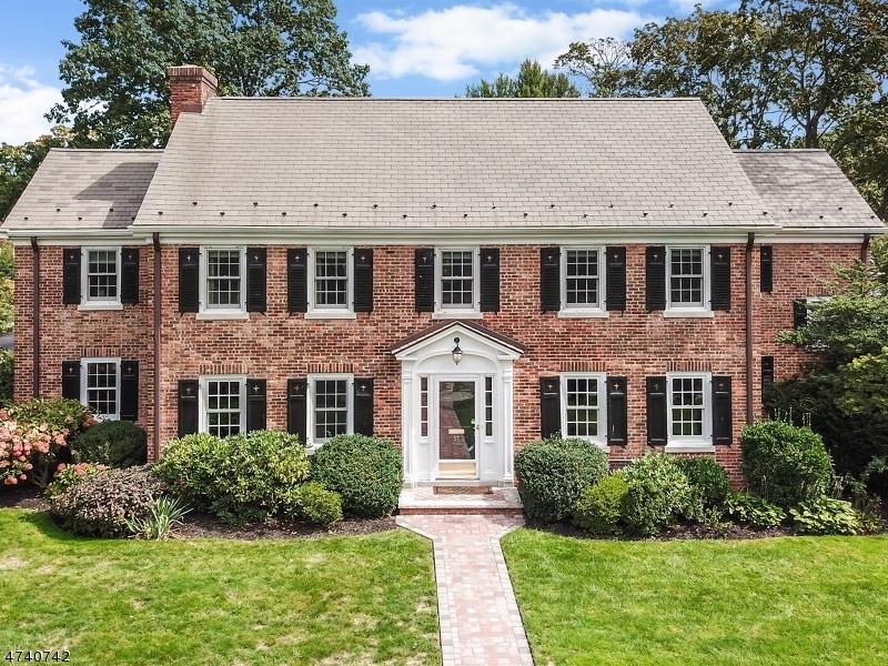 Частный односемейный дом для того Продажа на 57 Park Pl , Bloomfield, 07003 Соединенные Штаты