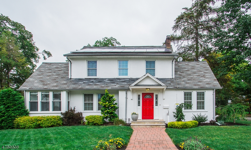 Single Family Home for Sale at 385 Evergreen Place Ridgewood, New Jersey 07450 United States