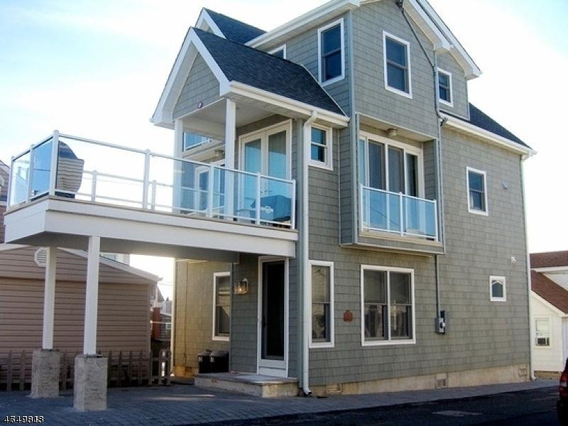 Частный односемейный дом для того Продажа на 53 SURF WAY Toms River, Нью-Джерси 08753 Соединенные Штаты