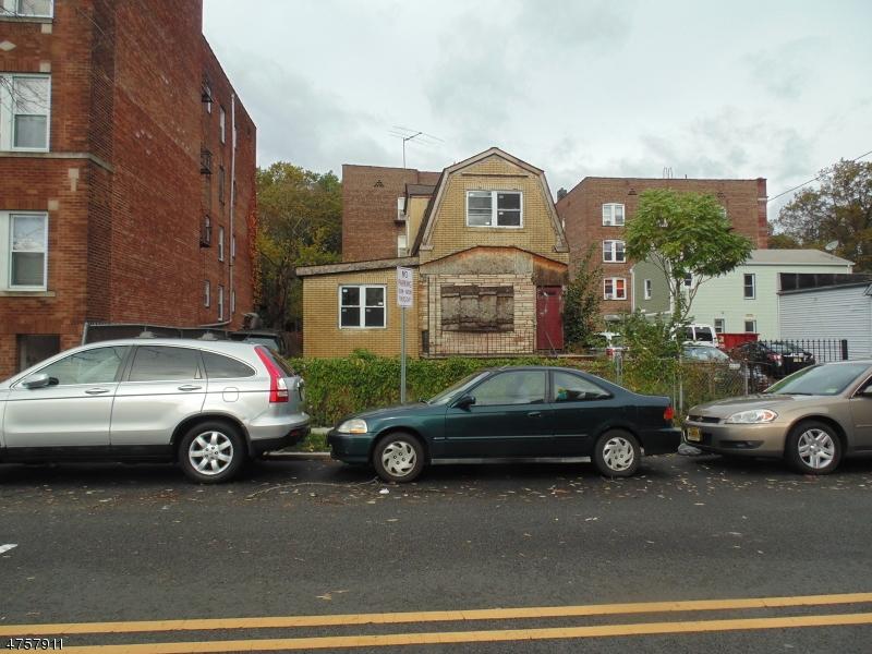 独户住宅 为 销售 在 9 Chester Avenue Irvington, 新泽西州 07111 美国