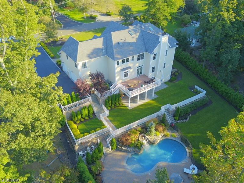واحد منزل الأسرة للـ Sale في 13 Grandview Place 13 Grandview Place Caldwell, New Jersey 07006 United States