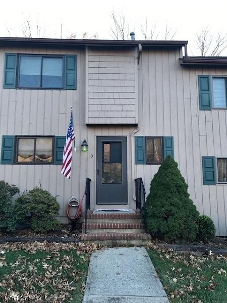 Casa Unifamiliar por un Venta en 10 Indian Spring Lane High Bridge, Nueva Jersey 08829 Estados Unidos