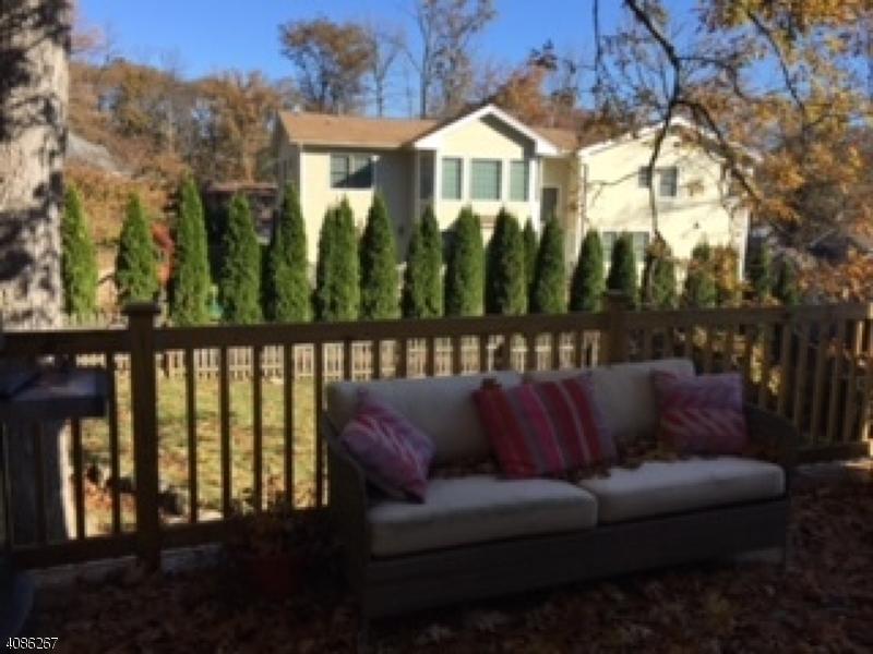 واحد منزل الأسرة للـ Sale في 152 MORNINGSIDE Road 152 MORNINGSIDE Road Verona, New Jersey 07044 United States