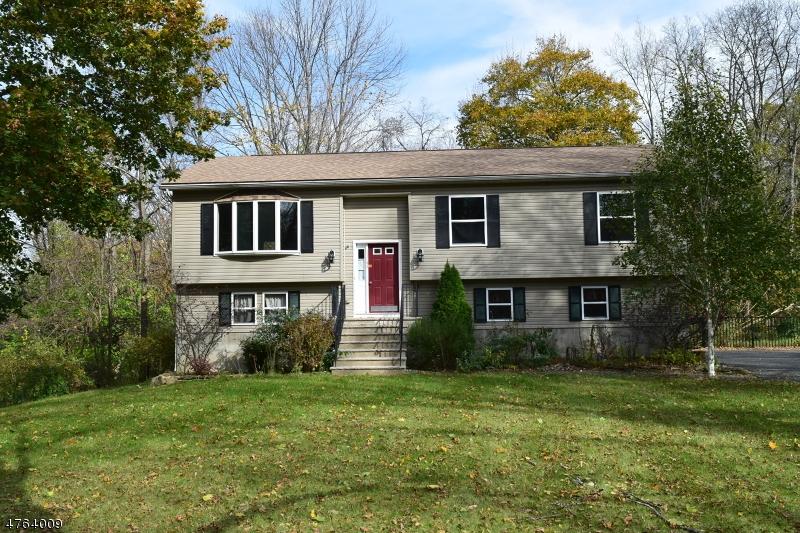 Einfamilienhaus für Verkauf beim Address Not Available Andover Township, New Jersey 07860 Vereinigte Staaten