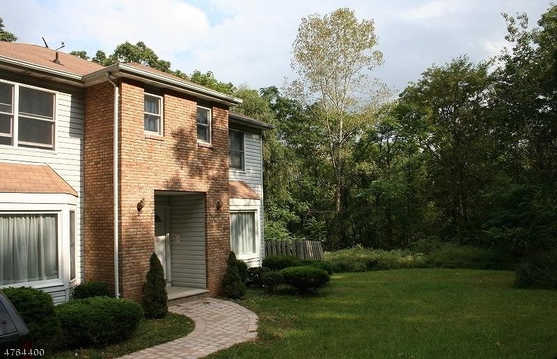 Casa Unifamiliar por un Alquiler en 75 Moraine Road Parsippany, Nueva Jersey 07950 Estados Unidos