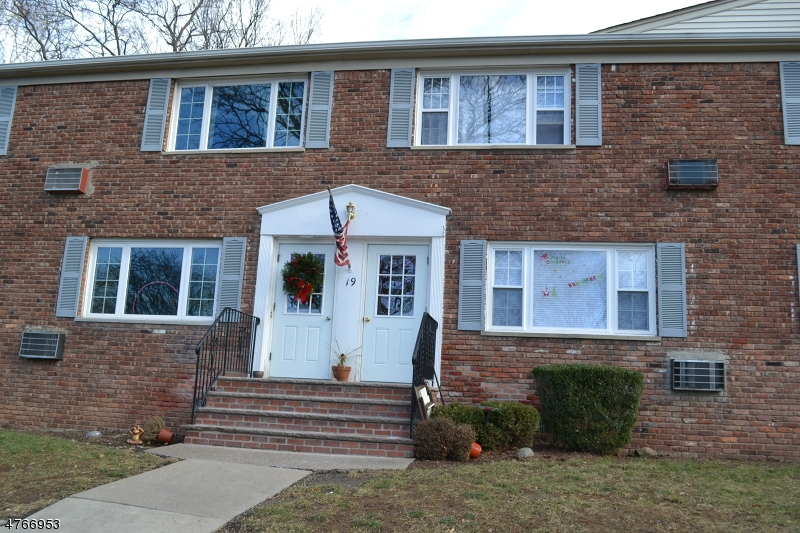 Single Family Home for Rent at 19 Wedgewood Drive Verona, New Jersey 07044 United States