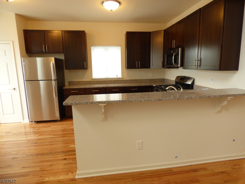 Additional photo for property listing at Clifford Circle  Franklin, Nueva Jersey 08873 Estados Unidos