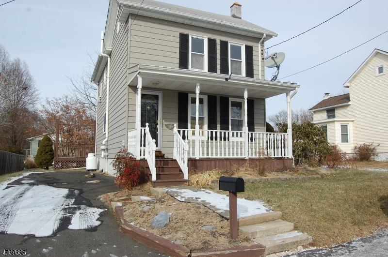 Частный односемейный дом для того Аренда на 17 Independence Street Washington, Нью-Джерси 07882 Соединенные Штаты
