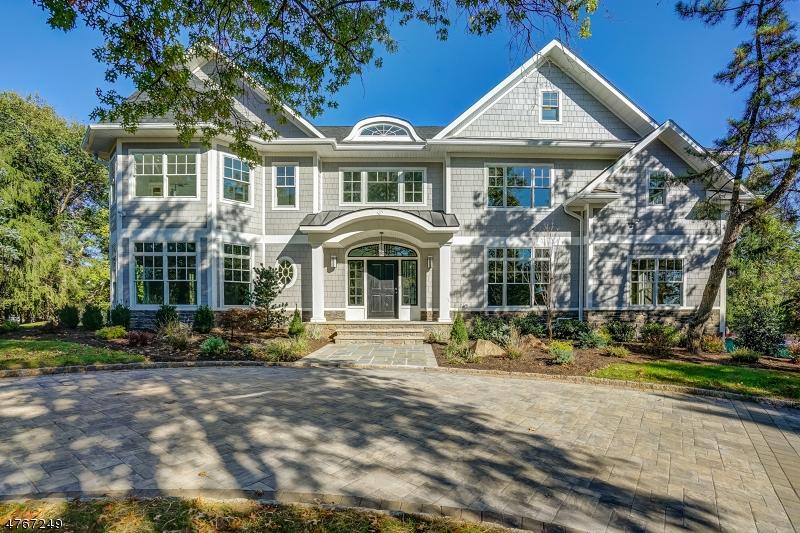 独户住宅 为 销售 在 33 Vanderbilt Drive 利文斯顿, 新泽西州 07039 美国