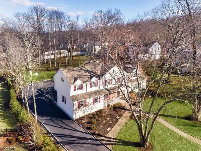 独户住宅 为 销售 在 8 Brentwood Road 查塔姆, 新泽西州 07928 美国