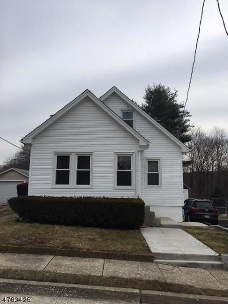 Maison unifamiliale pour l à louer à 8 Smith Street Newton, New Jersey 07860 États-Unis