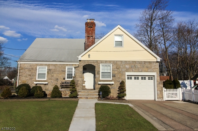 Single Family Home for Sale at 2 Strathmore Ter Fair Lawn, New Jersey 07410 United States