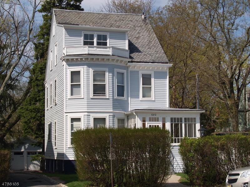 Maison unifamiliale pour l à louer à 680 BLOOMFIELD Avenue Glen Ridge, New Jersey 07028 États-Unis