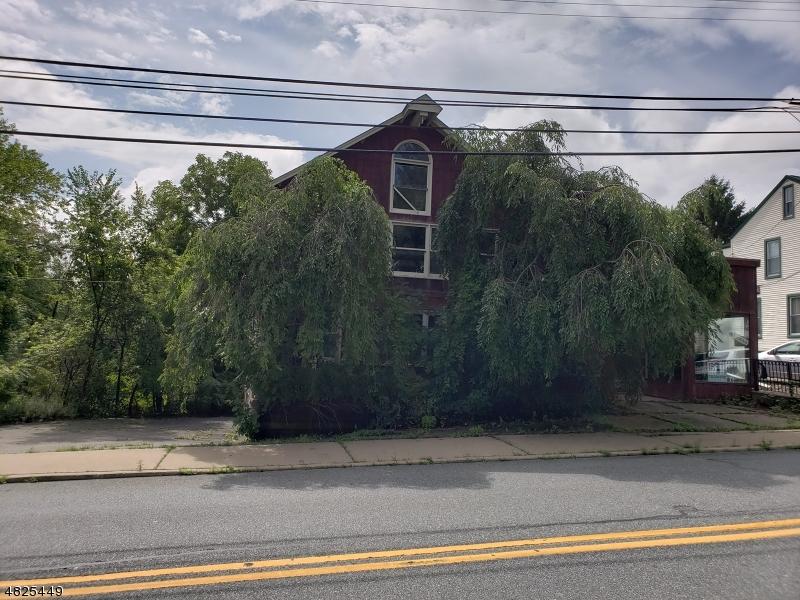 Property för Försäljning vid 128 WILLOW GROVE Street Hackettstown, New Jersey 07840 Usa