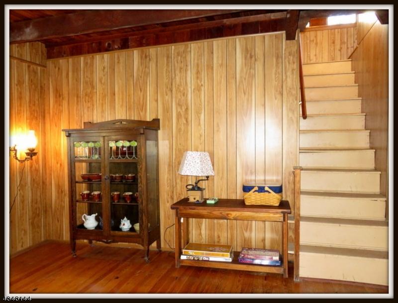 Additional photo for property listing at 934 EMMONS LANE  Stillwater, 新澤西州 07860 美國
