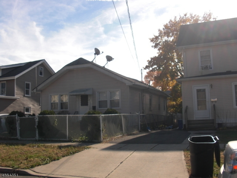 Single Family Home for Sale at 442 MERCER AVE 442 MERCER AVE Roselle, New Jersey 07203 United States