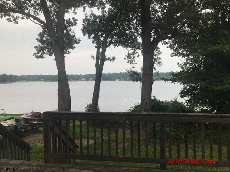 Nhà ở nhiều gia đình vì Bán tại 107 LAKESHORE Drive West Milford, New Jersey 07421 Hoa Kỳ