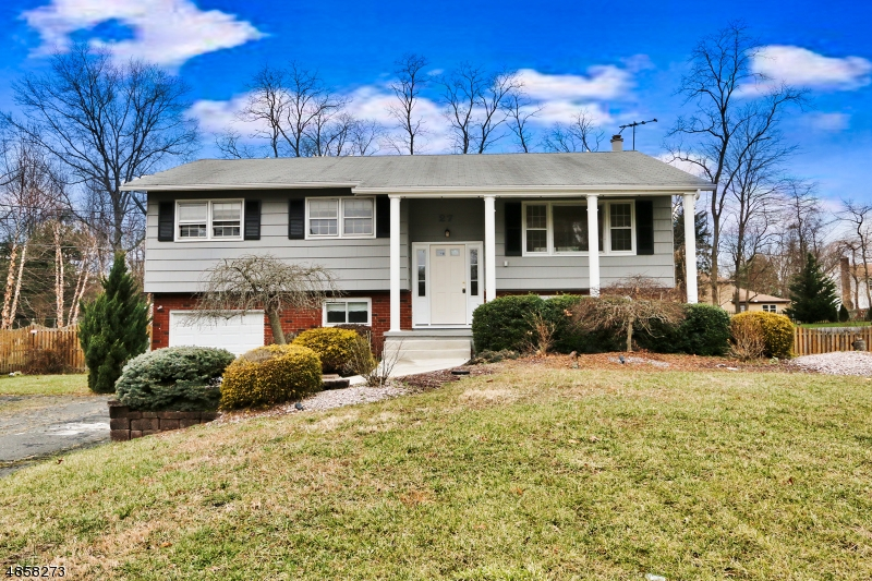 Single Family Home for Sale at 27 OLD QUEENS BLVD Manalapan, New Jersey 07726 United States