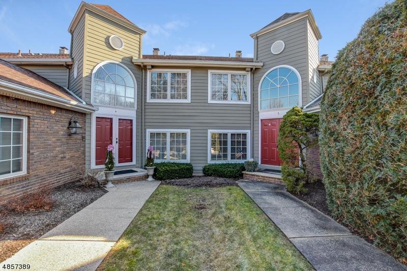 Property 为 销售 在 3 BEEKMAN HILL Road Caldwell, 新泽西州 07006 美国