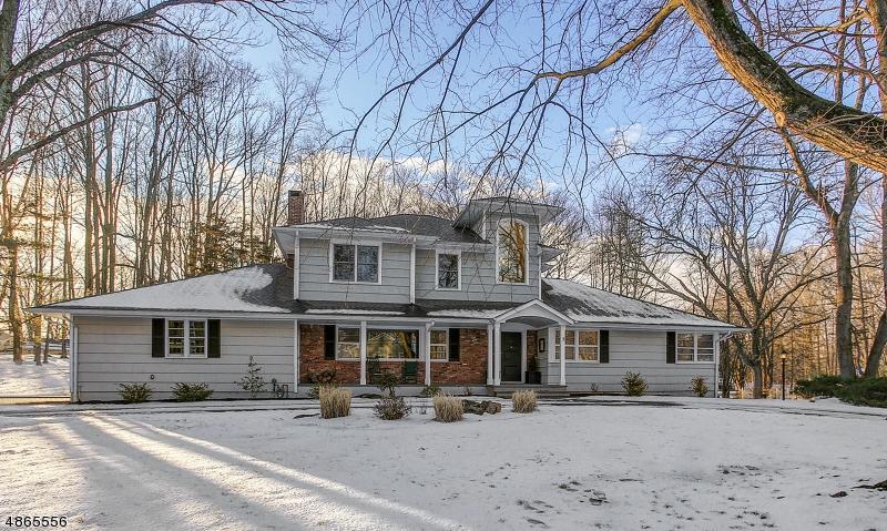 Частный односемейный дом для того Продажа на 3 SCOTCHWOOD GLN Scotch Plains, Нью-Джерси 07076 Соединенные Штаты