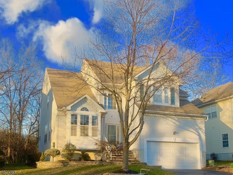 Single Family Home for Sale at 27 HUNTLEY WAY Bridgewater, New Jersey 08807 United States