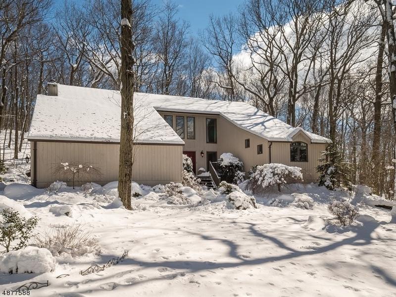 Casa Unifamiliar por un Venta en 155 MILLER Road Kinnelon, Nueva Jersey 07405 Estados Unidos