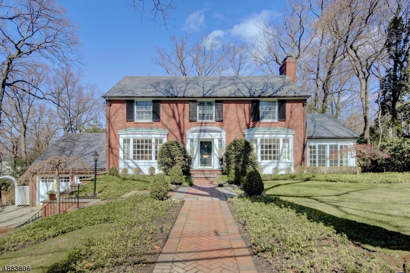 Property 为 销售 在 10 HILLBURY Road Essex Fells, 新泽西州 07021 美国