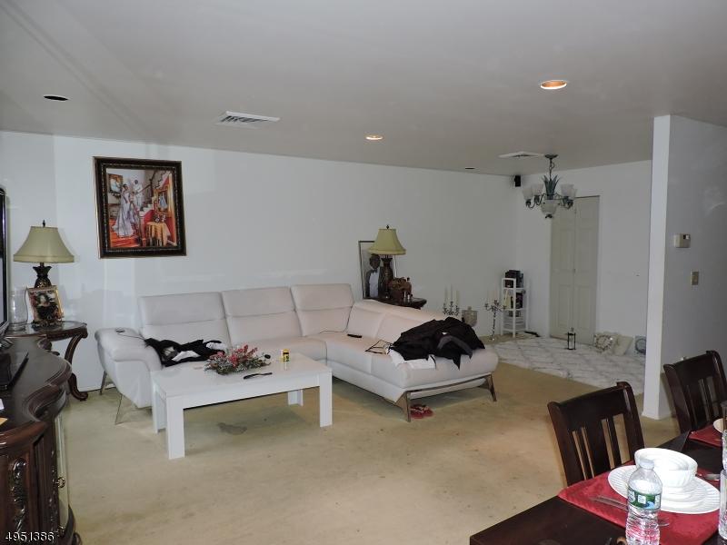 公寓 / 联排别墅 为 出租 在 西奥兰治, 新泽西州 07052 美国
