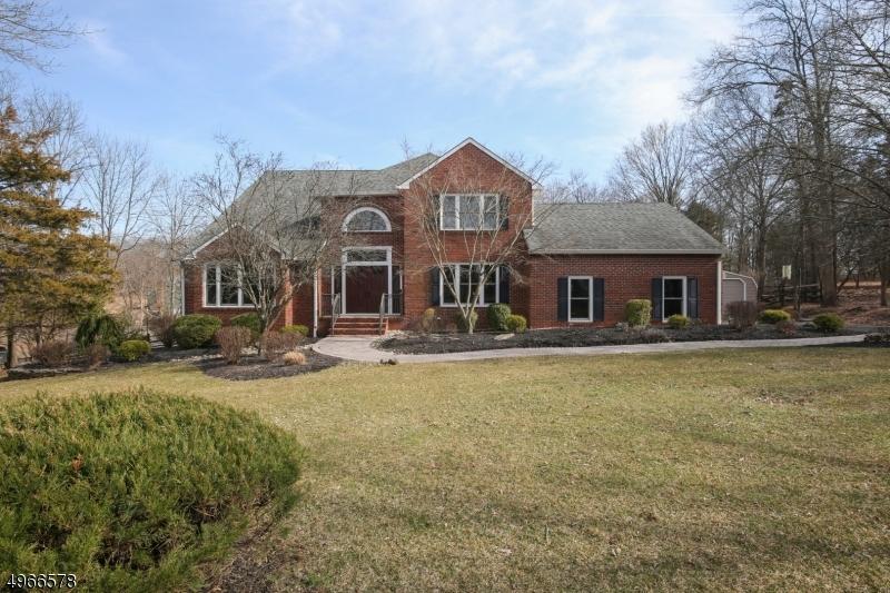 Single Family Homes per Vendita alle ore Branchburg, New Jersey 08876 Stati Uniti