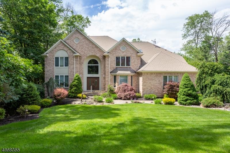 Single Family Homes vì Bán tại Montville, New Jersey 07082 Hoa Kỳ