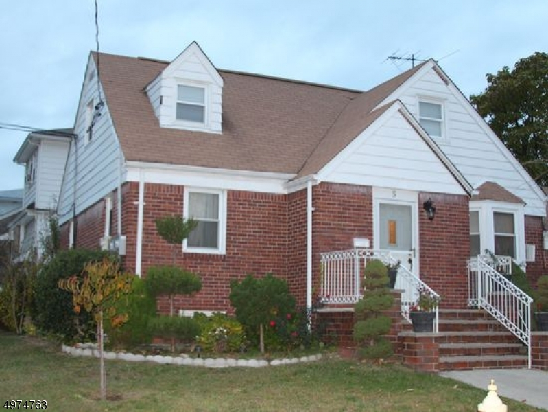 Multi-Family Homes per Vendita alle ore 5 MARION Avenue Lodi, New Jersey 07644 Stati Uniti