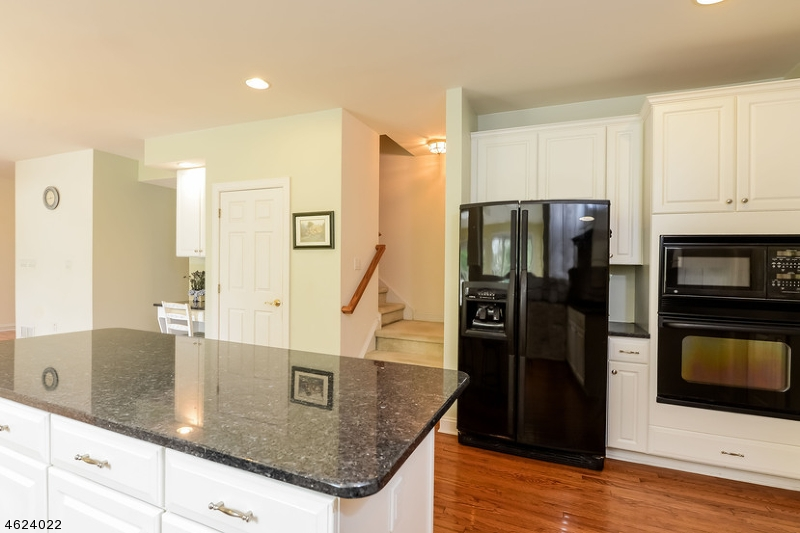 Additional photo for property listing at 254 Pleasant Grove Road  Long Valley, New Jersey 07853 États-Unis