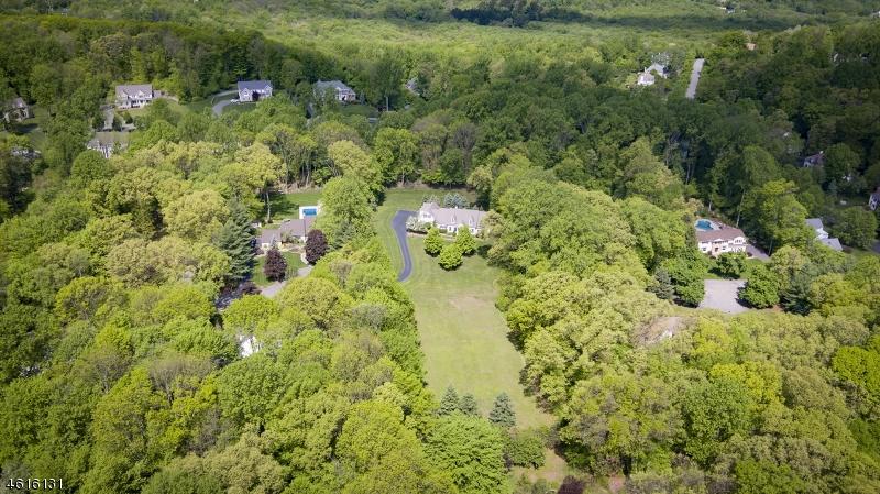 Additional photo for property listing at 5 Old Wood Lane  Randolph, Nueva Jersey 07869 Estados Unidos