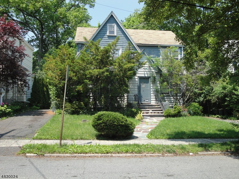 Additional photo for property listing at 15 Burroughs Way  Maplewood, New Jersey 07040 États-Unis