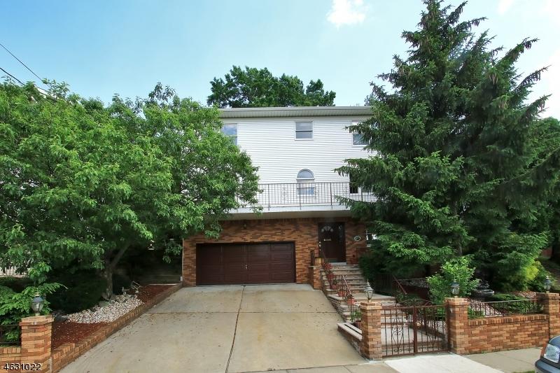 Casa Unifamiliar por un Venta en 94-96 PARK Place Kearny, Nueva Jersey 07032 Estados Unidos