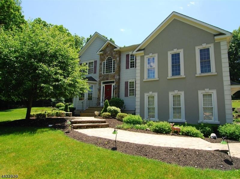 Частный односемейный дом для того Продажа на 10 Heron Way Andover, 07821 Соединенные Штаты