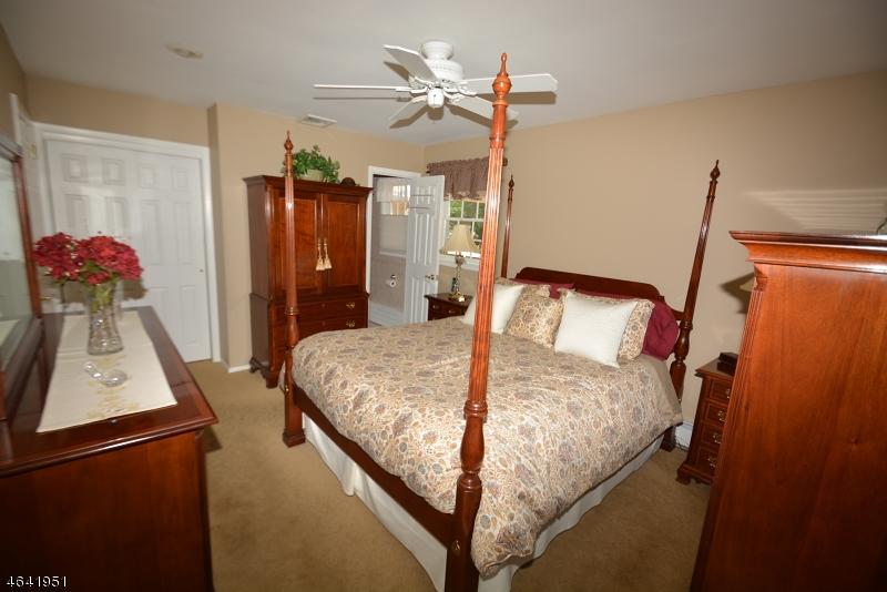 Additional photo for property listing at 197 Deerlea Lane  Boonton, Nueva Jersey 07005 Estados Unidos