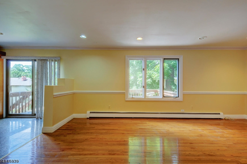 Additional photo for property listing at 43 Pelham Road  Wayne, New Jersey 07470 United States