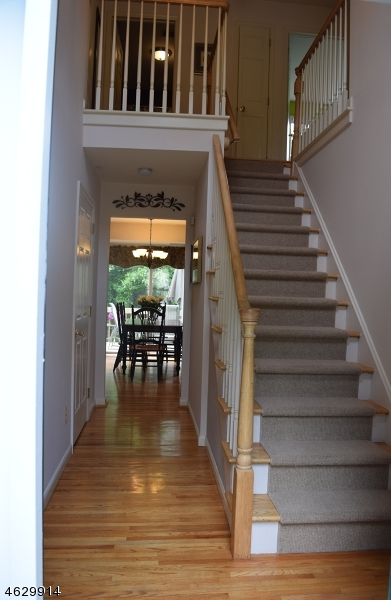 Additional photo for property listing at 1 Cliffside Way  Andover, Нью-Джерси 07821 Соединенные Штаты