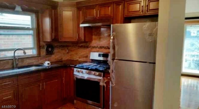 Maison unifamiliale pour l à louer à 7805 Park Avenue North Bergen, New Jersey 07047 États-Unis